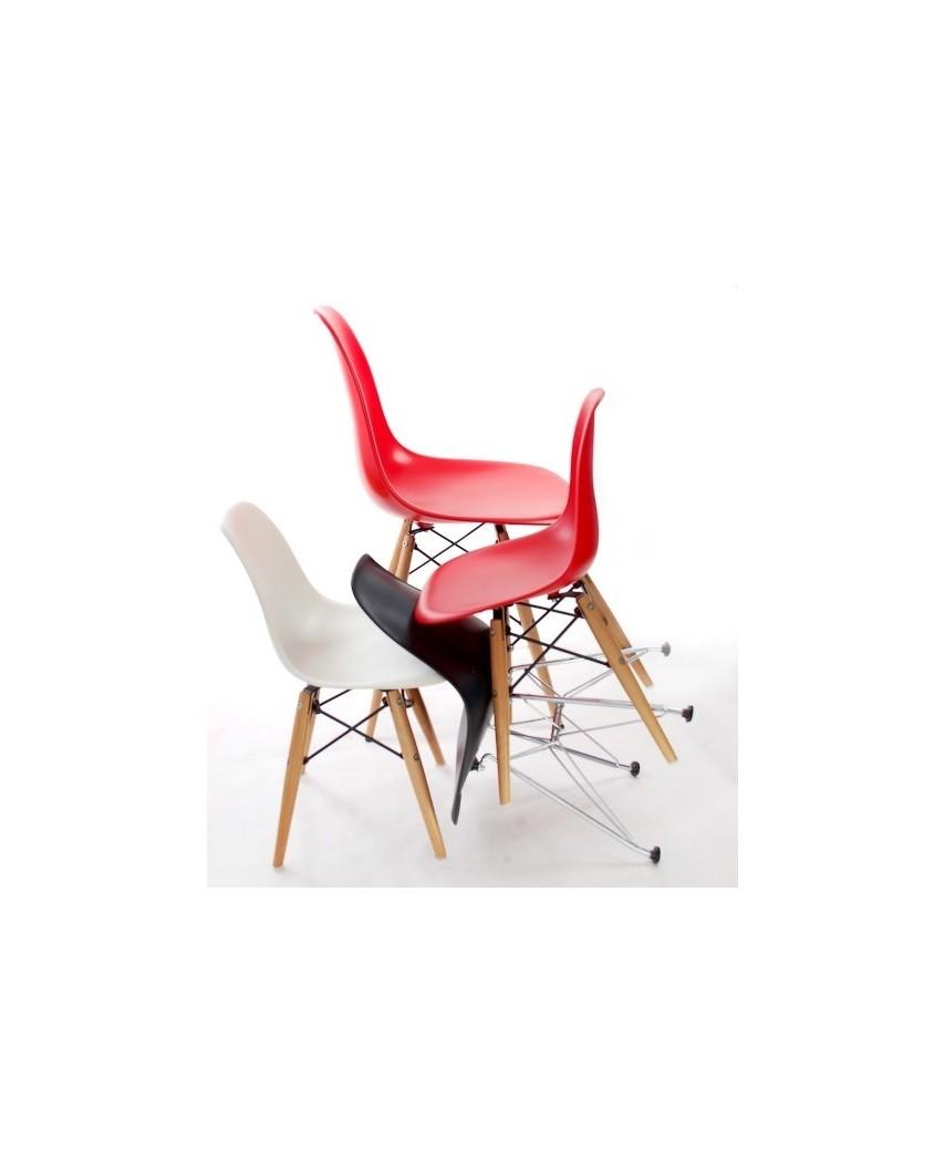 Krzesło JuniorP016 czarne,drewniane nogi
