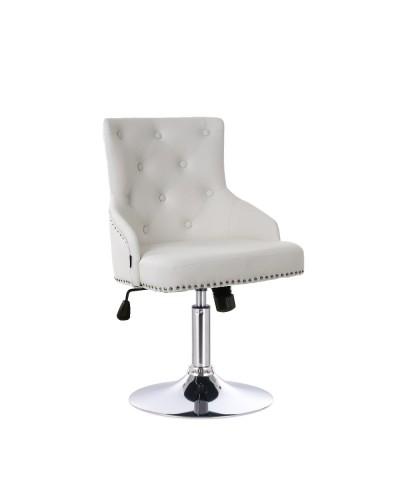 Ozdobiony ćwiekami fotel CLARIS biały - chromowany dysk
