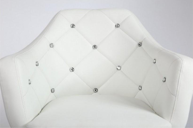 pikowany fotel obrotowy wygodny w kolorze białym