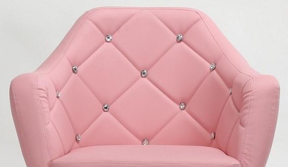 różowe krzesła